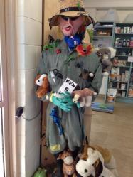 KEN05 Scarecrow Name: Dr Anstey Owner: Kenilworth Veterinary Surgery Shop 2/4 Elizabeth Street Kenilworth 4574 Registration Centre: Kenilworth Category: Traditional