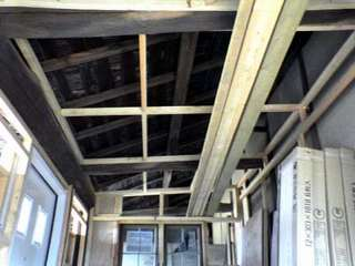天井の骨組みです。