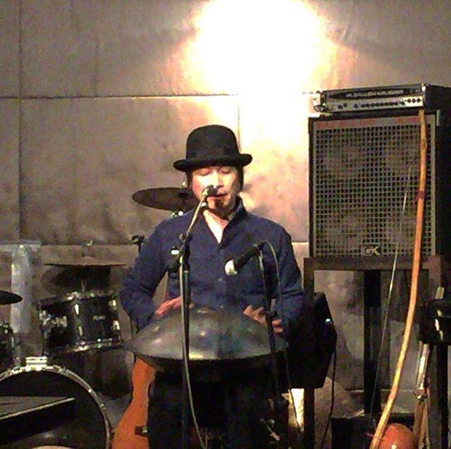 ヤマザキヤマトさんのライブスタート。