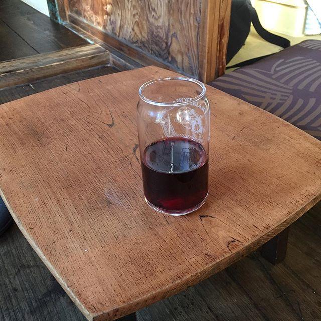 @chabudai_guesthouse ちゃぶだいのちゃぶだいで @kawagoekadoya 角屋のワイン 。