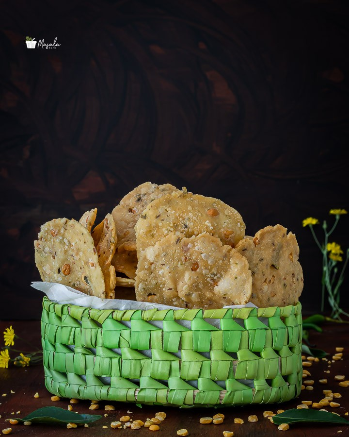 Chakkalu Savoury Rice Crackers in a basket.