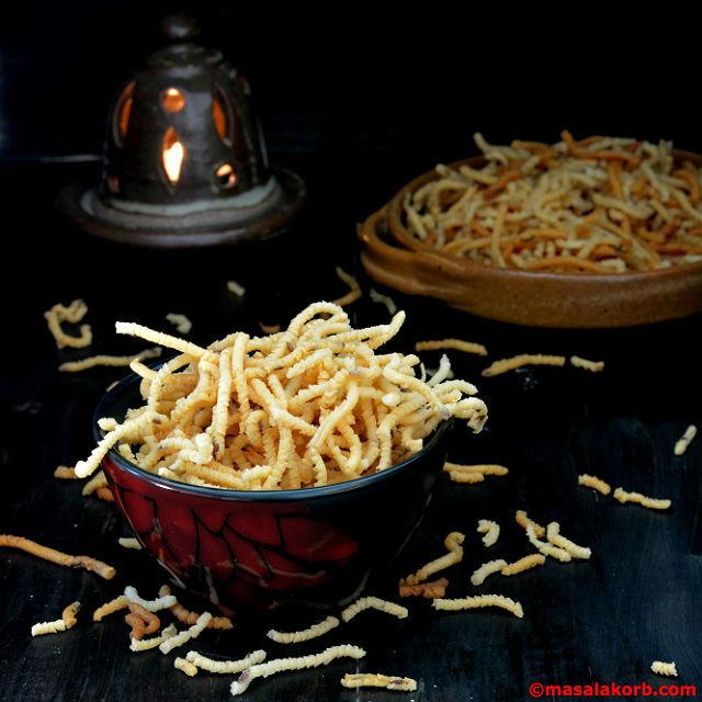 South Indian Pottukadalai Murukku Recipe
