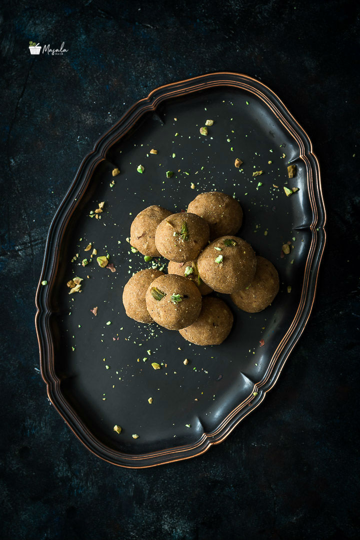 Besan Ladoo Ki Recipe, Kadalai Maavu Laddu