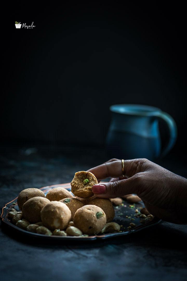 Gram Flour Laddu , Senagapindi Laddu
