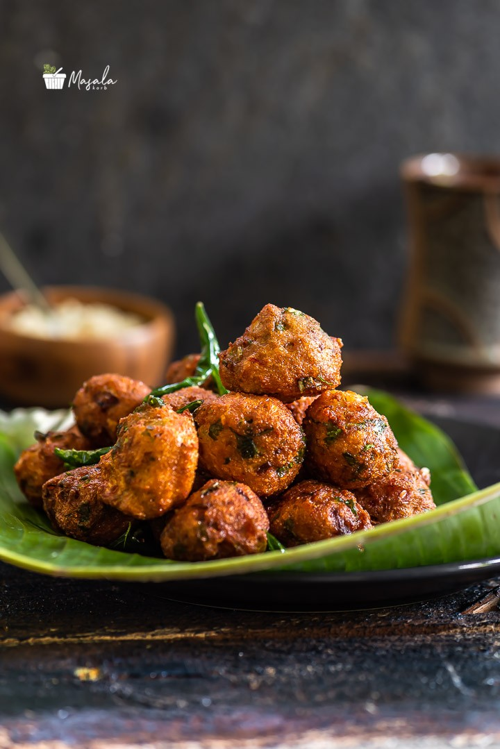 Kunuku recipe, a Protein rich snack or breakfast served with coconut chutney and tea.