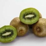 舌がピリピリする原因~キウイやパイナップルを食べるとなぜ舌がピリピリするの?~