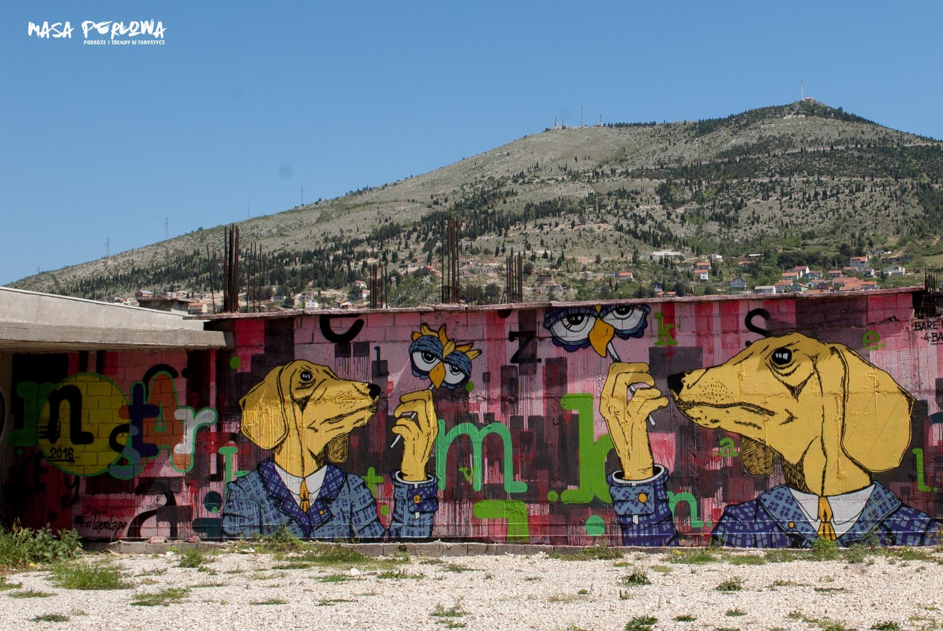 Mostar mural psy
