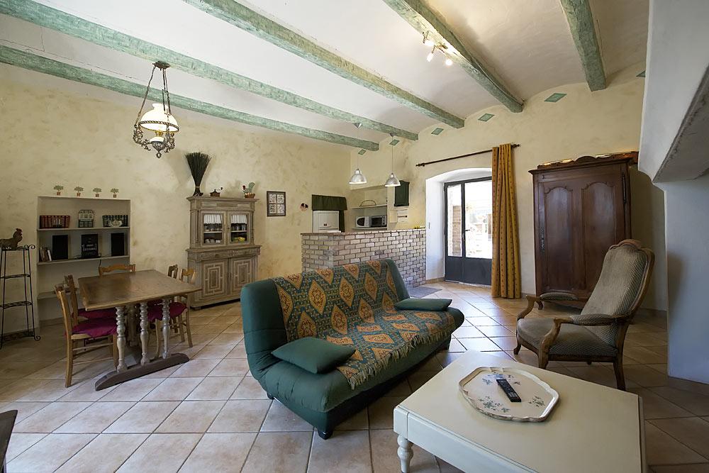 La pièce à vivre aux Treilles au Mas de la Baillyde, gîtes de charme en Cévennes
