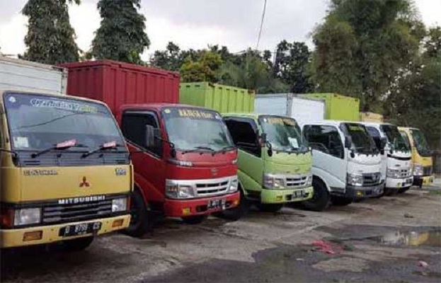 Usaha Truk Angkutan Barang Dalam dan Luar Kota