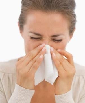 herpes en la nariz causas