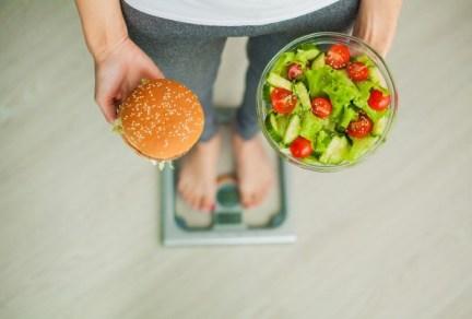 sustituye los antojos por comida saludable