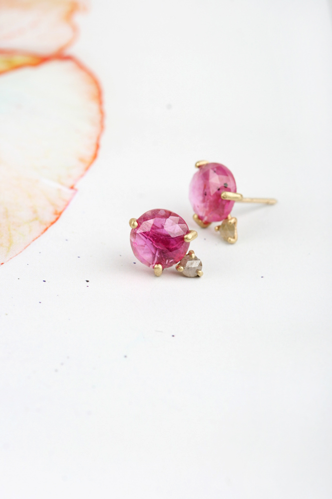 Stud earrings with sapphires and diamonds