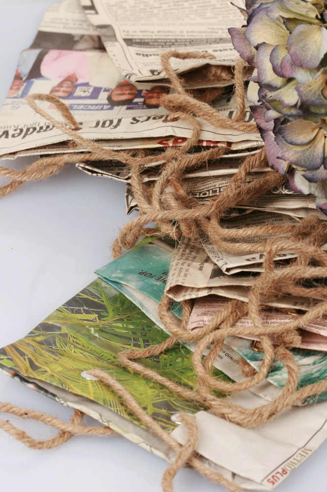 Recycled newspaper little shopping bag _ maschio gioielli milano (2)