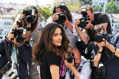 Salma Hayek-Pinault - Photocall - A Tribute to Animated Films (Hommage au cinéma d'Animation) © AFP / L. Venance