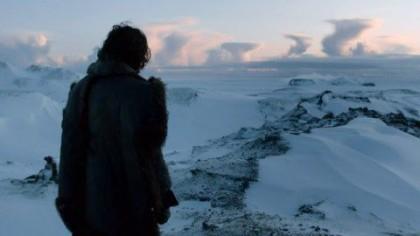 Lo stesso luogo visto da un agghiacciato Jon Snow
