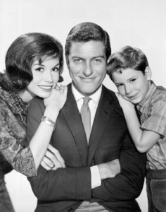 Dick_Van_Dyke_Petrie_family_1963_courtesy-of-Wikipedia