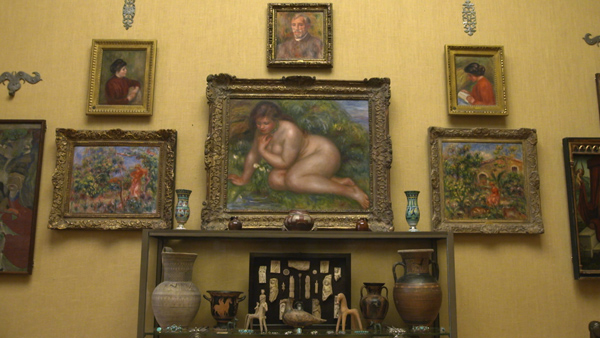 View-of-Renoir-wall-with-ornaments_property-of-EXHIBITION-ON-SCREEN