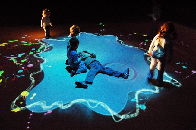 La Pozzanghera di Studio Azzurro - Micropaesaggio interattivo dedicato ai bambini, 2006 Monza, Arengario - Foto: ufficio stampa