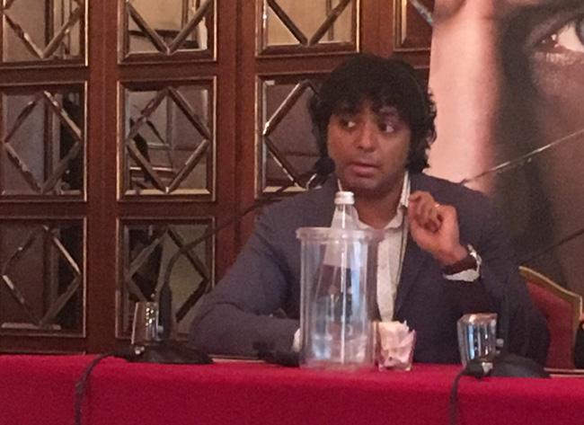 Il regista M. Night Shyamalan alla conferenza stampa milanese del film SPLIT - Foto d Luca Zanovello