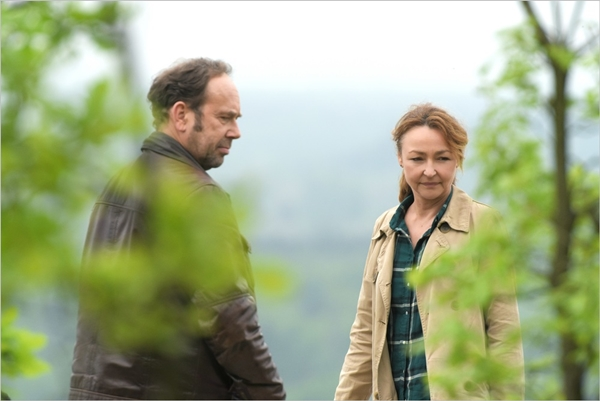 Olivier Gourmet (Paul) e Catherine Frot (Claire) nel film Quello che so di lei © Photo Michael Crotto - Courtesy of BIM