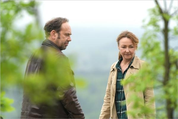 Olivier Gourmet (Paul) e Catherine Frot (Claire) in QUELLO CHE SO DI LEI - © photo Michael Crotto - courtesy by BIM
