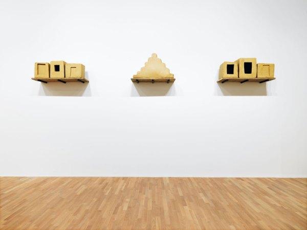 Wolfgang Laib Senza titolo 1991-1999 Cera d'api e legno 64 x 45 x 680 cm MASI, Lugano. Deposito Associazione ProMuseo © 2017 Hartmut Nägele