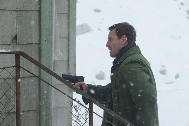Michael Fassbender nel film L'Uomo di Neve © Universal Pictures