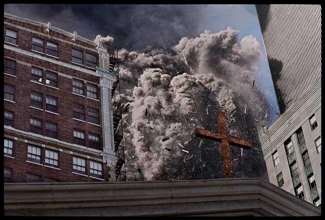 Crollo della torre sud del World Trade Center. New York, USA, 2001 © James Nachtwey