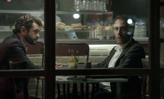 Vinicio Marchioni e Valerio Mastandrea nel film The Place - Photo: Maria Marin