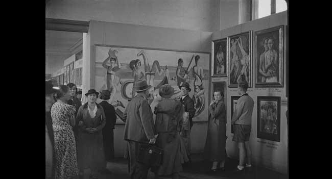 """Hitler contro Picasso e gli Altri - Un'immagine di repertorio della mostra di """"Arte Degenerata"""" del 1937 - Photo: courtesy of Nexo Digital"""
