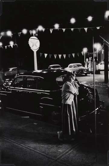 W. Eugene Smith, Ragazza accanto a un parchimetro