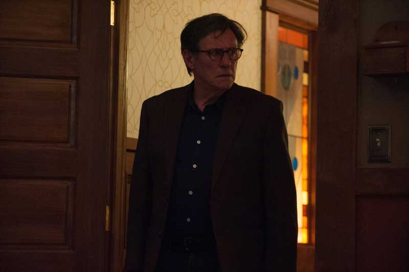 Gabriel Byrne in una scena del film Hereditary - Photo: courtesy of Lucky Red