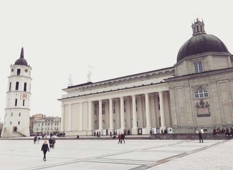 La piazza della Cattedrale di Vilnius - Photo by Anna Falciasecca