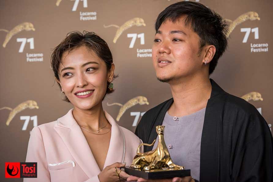 L'attrice Luna Kwok e il regista Siew Hua Yeo col Pardo d'oro - Photo: Tosi Photography