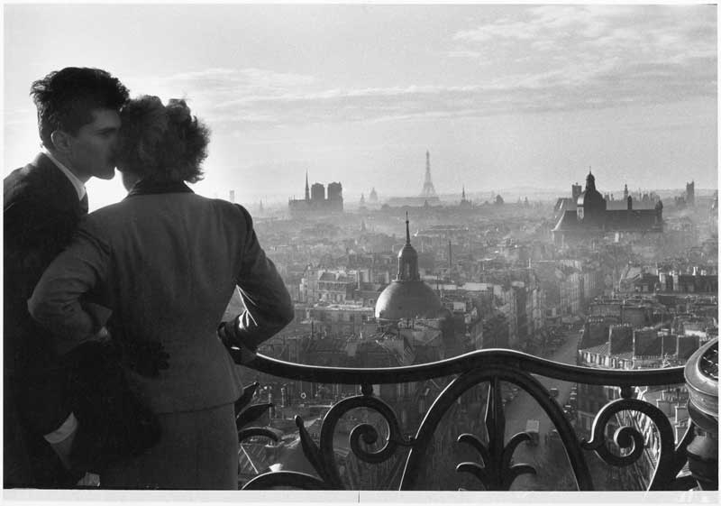 Willy Ronis, Les Amoureux de la Bastille, Paris, 1957