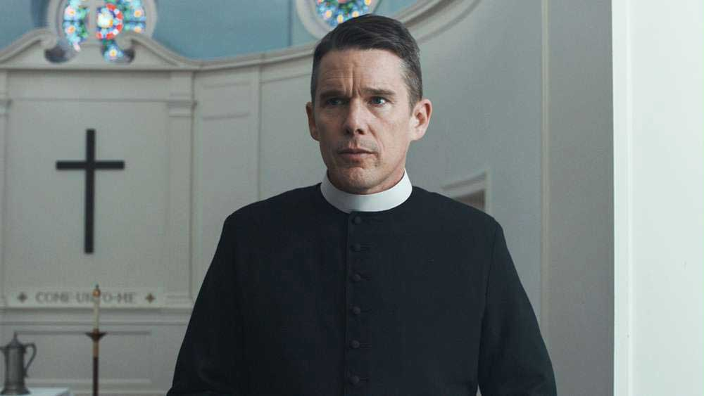 Ethan Hawke in una scena del film First Reformed - Photo: courtesy of Locarno Festival