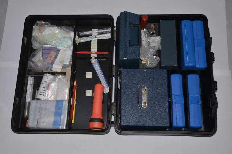 il kit della valigetta criminalistica - Foto: Carabinieri