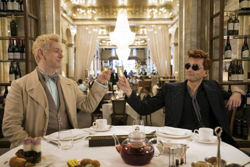 Michael Sheen e David Tennant in una scena di Good Omens - Photo: Amazon Prime