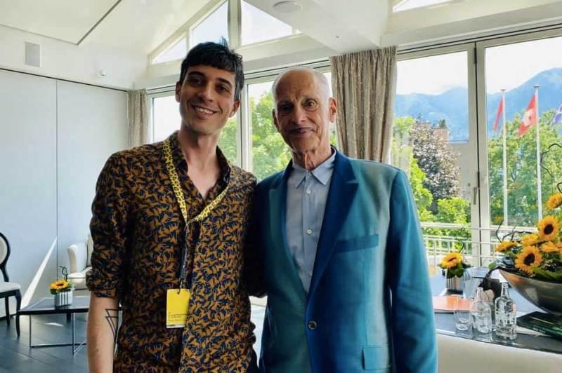 Luca Zanovello e John Waters © MaSeDomani