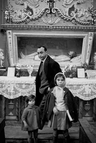 Ferdinando Scianna, Leonardo Sciascia. Racalmuto, 1964 © Ferdinando Scianna
