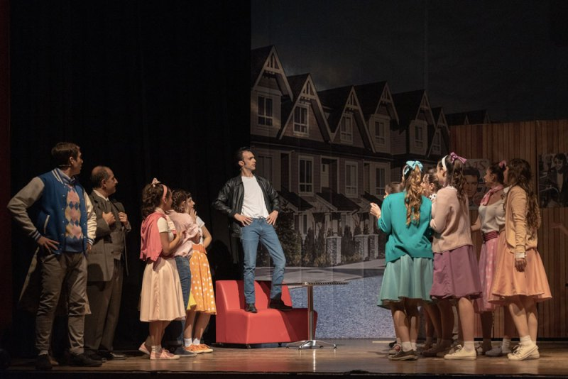 Fonzie in una scena di Happy Days il musical