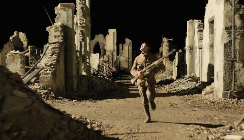 George MacKay è Schofield nel film 1917. Photo: courtesy of 01 Distribution.