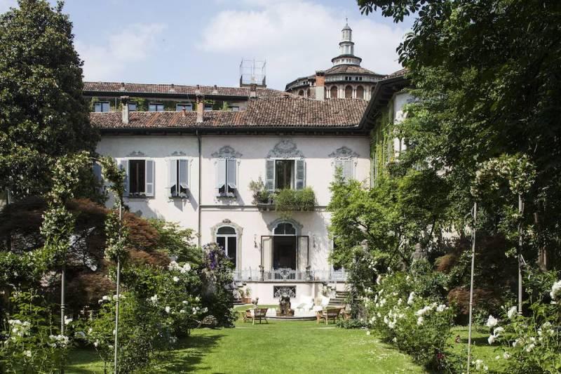 Il giardino di Casa degli Atellani a Milano