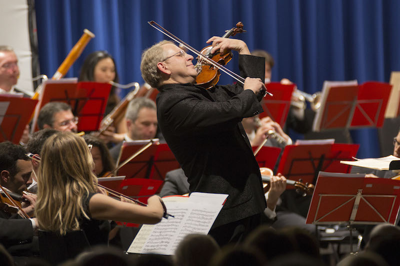 Shlomo Mintz con l'orchestra dei Cameristi della Scala di Milano. Photo © Chab Lathion,