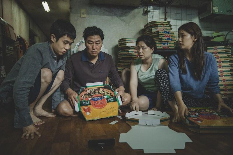 Choi Woo-shik, Song Kang-ho, Chang Hyae Jin, Park So-dam in una scena del film PARASITE in arrivo su Sky Cinema Oscar®. Photo courtesy of press office.