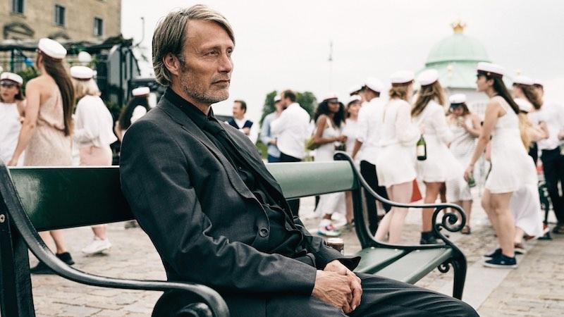 Mads Mikkelsen nel film Un Altro Giro. Foto di Henrik Ohsten.