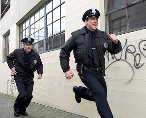 policias corriendo