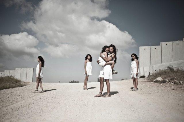 Before the wall - Hiba