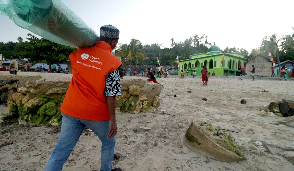Masjid Nusantara membantu Kampung Dedeta Maluku Utara