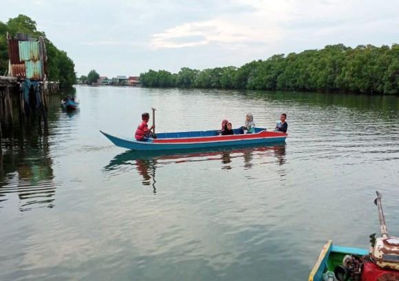 Anak Nelayan Kampung Buttue, Desa Kanaungan, Kec. Labakkang